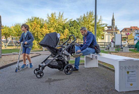 banc connecté solaire pour espace public